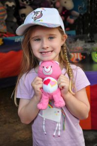 young girl at the waroona sideshow